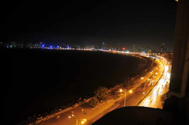 marine-drive-night