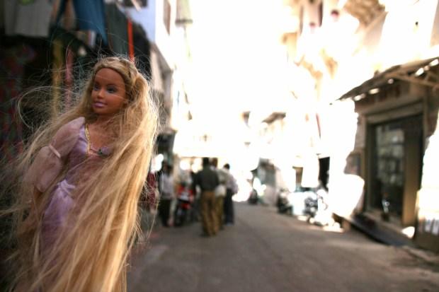 barbie dans la rue
